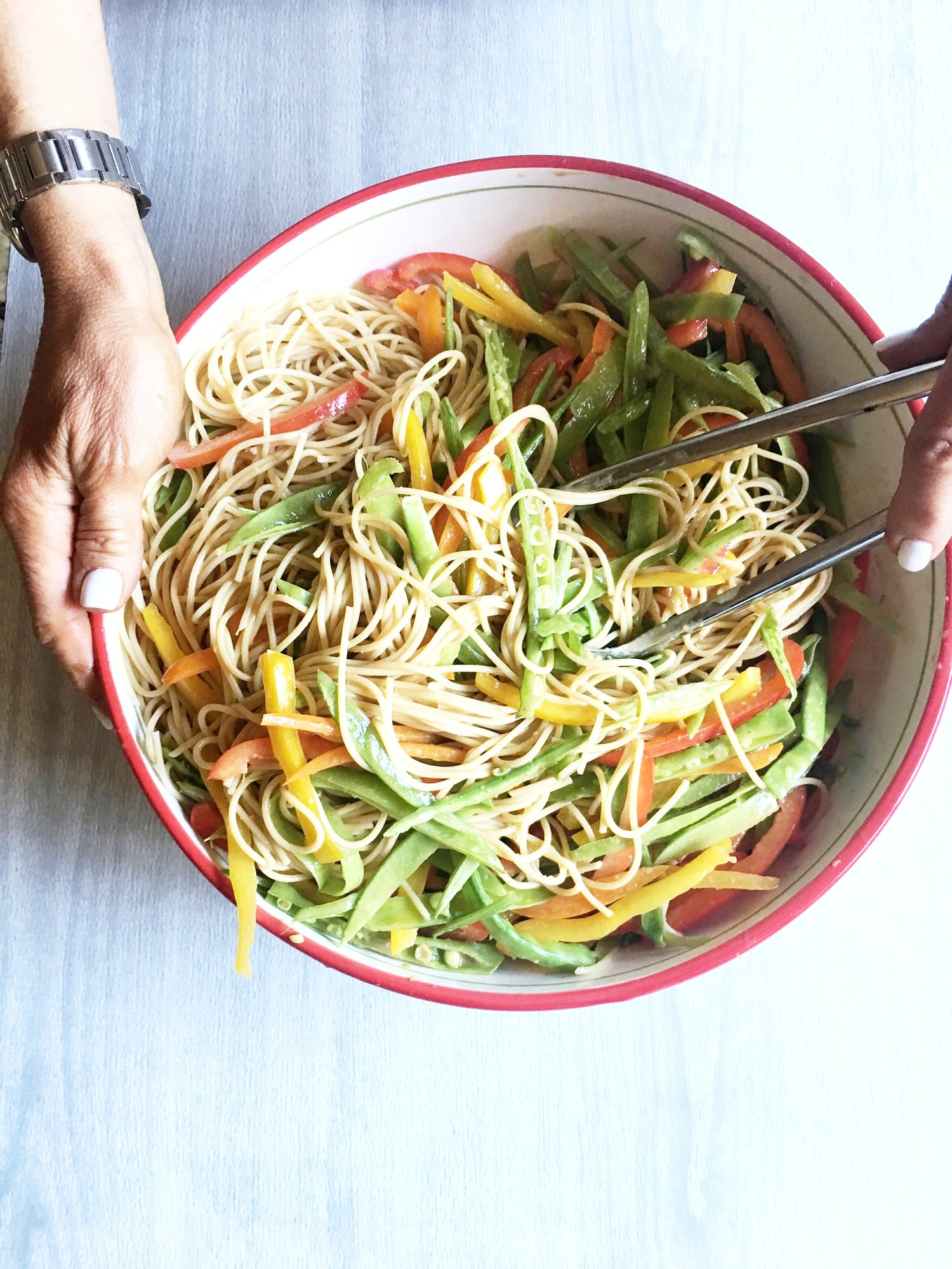Sesame Noodles with Snow Peas and Peppers Recipe